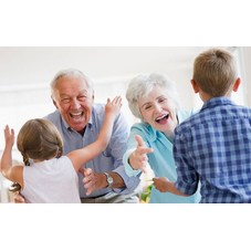 Medium_grandchildren-running-to-greet-grandparents-171633611